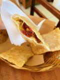 Porção de Pastel de carne Seca com Requeijão Raspa de Tacho cremoso